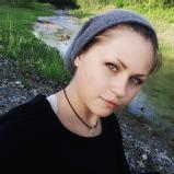 Viviane K.