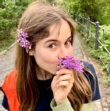 Elizaveta R.